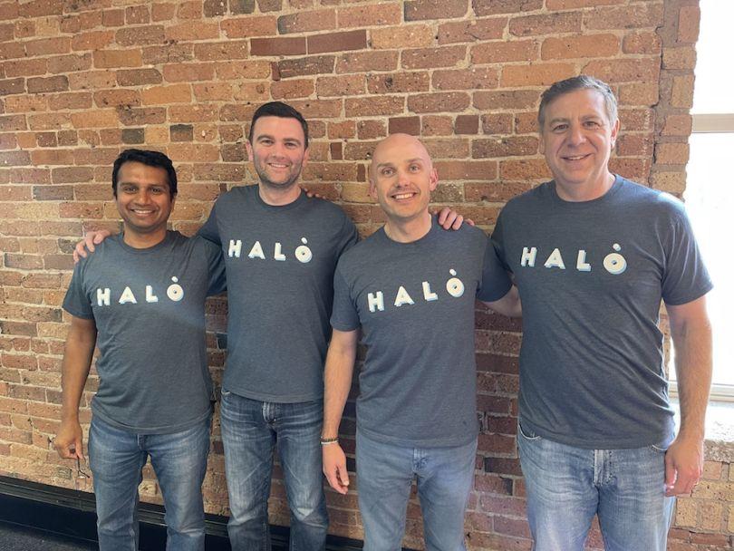 Halo investissant des employés portant des t-shirts d'entreprise